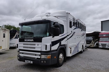 SCANIA 210 18T 8 STALL 1998