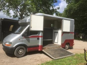 Renault Master Coachbuilt 3.5T Horsebox