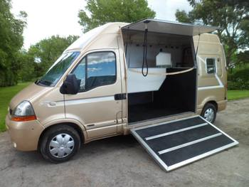Renault Master 2 horse conversion **SOLD**