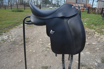 "Bates dressage saddle 16.5""  ***REDUCED****"