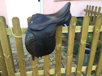 "Brown leather saddle GP 15"""