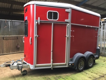 IFOR WILLIAMS HB511 RED TRAILER AND TACK LOCKER