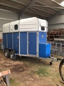 Richardson Supreme Ultra horse trailer
