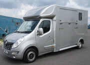 2015 Renault Master Coach Built by J.P Horseboxes. Long stall model. Stalled for 2 rear facing... 3.5 TON