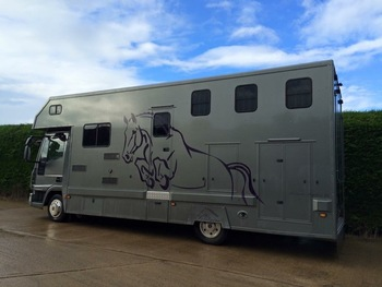 Steel grey 2008 7.5 tonne Solitaire Horsebox for sale