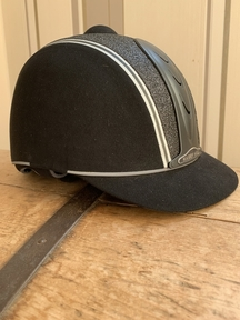 Competition riding hat