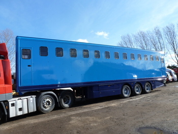 2008 Cartwright Triaxle 17 stall Horse Trailer