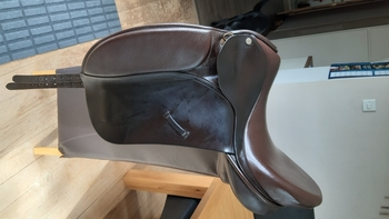 Ideal dressage saddle