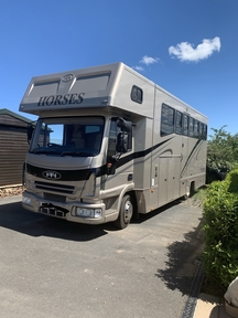 REDUCED Thorpe 7.5t Horsebox - immaculate condition