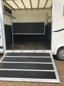 Horsebox for sale excellent condition