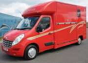 2010 Renault Master 3.9 Ton Coach built by John Oats horseboxes. Stalled for 2 rear facing.. VERY SMART