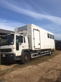 18t Volvo horsebox partitioned for 6 horses