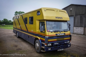 Oakley Supreme 5 Horse Lorry 1993