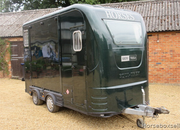 2008 Equi-trek Show Trekka L. Stalled for 2 rear facing. Smart living at the front.. Excellent condition