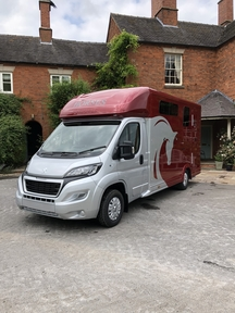 Equi-trek Equinox Excel 3.5T Red Horse Lorry *Brand New Unregistered*Px Welcome