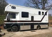 7.5tonne Ford Cargo 0813 with Full living