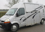 2008 Renault Master 3.5 ton Automatic professional conversion by G.C Horseboxes.Stalled for 2 rear facing.. LWB chassis. VERY SMART