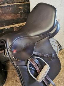 Kent and Masters Cob GP, 17 inch Saddle