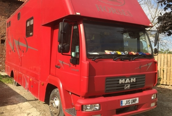 MAN Horse Box 2003 Large living, stalled for 3