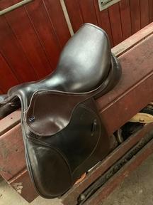 "16"" Brown John Whitaker Saddle for sale"