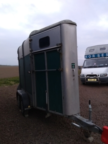 Ifor Williams 401 horse trailer